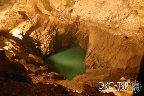 Подземное озеро в пещере
